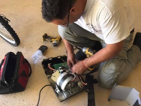 Repairing-garage-door-opener