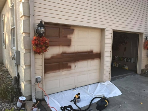garage-door-painting
